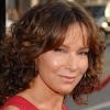 Jennifer Grey va croiser le Dr House + news casting (LOLA, All Signs of Death, Hellcats)