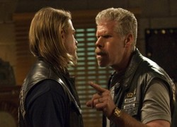 Charlie Hunnam et Ron Perlman - Sons of Anarchy
