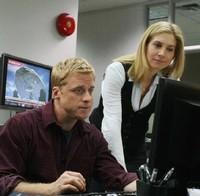 Alan Tudyk et Elizabeth Mitchell