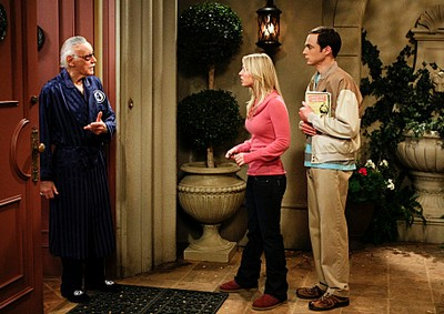 Stan Lee, Kaley Cuoco et Jim Parsons (The Big Bang Theory)