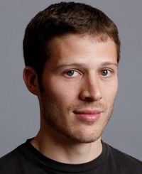 Zach Gilford dans Off The Map