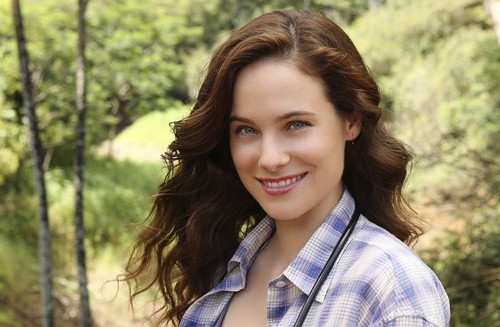 Caroline Dhavernas - Off The Map | ABC