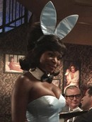 Naturi Naughton en Bunny girl dans Mad Men | AMC